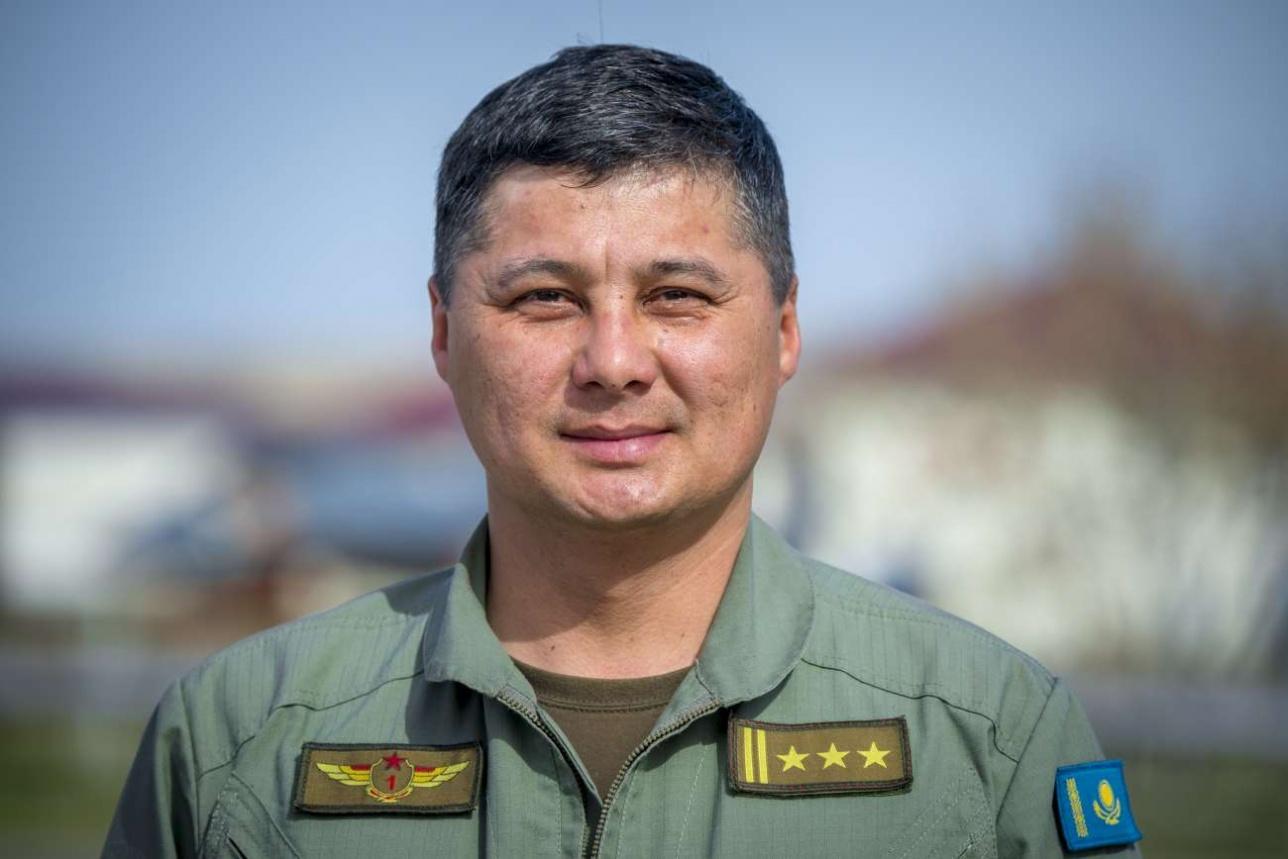 Аскар Избасов, командир 604-й авиабазы, полковник