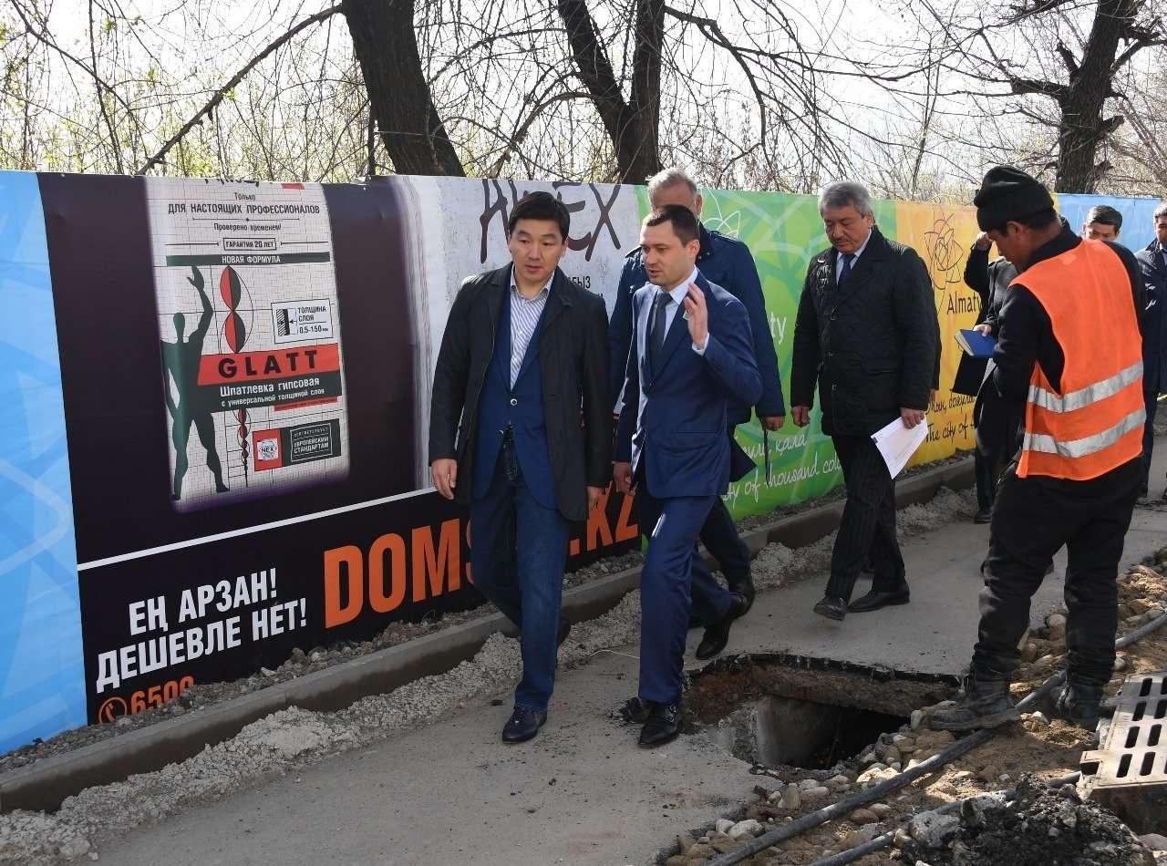Аким Алматы дал поручения по благоустройству дворов