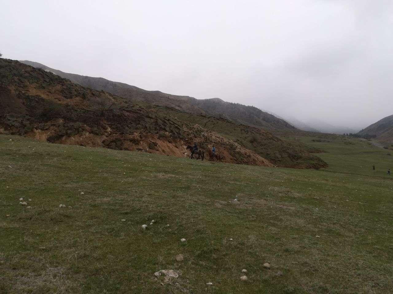 Сдвиг горной массы в Алматинской области