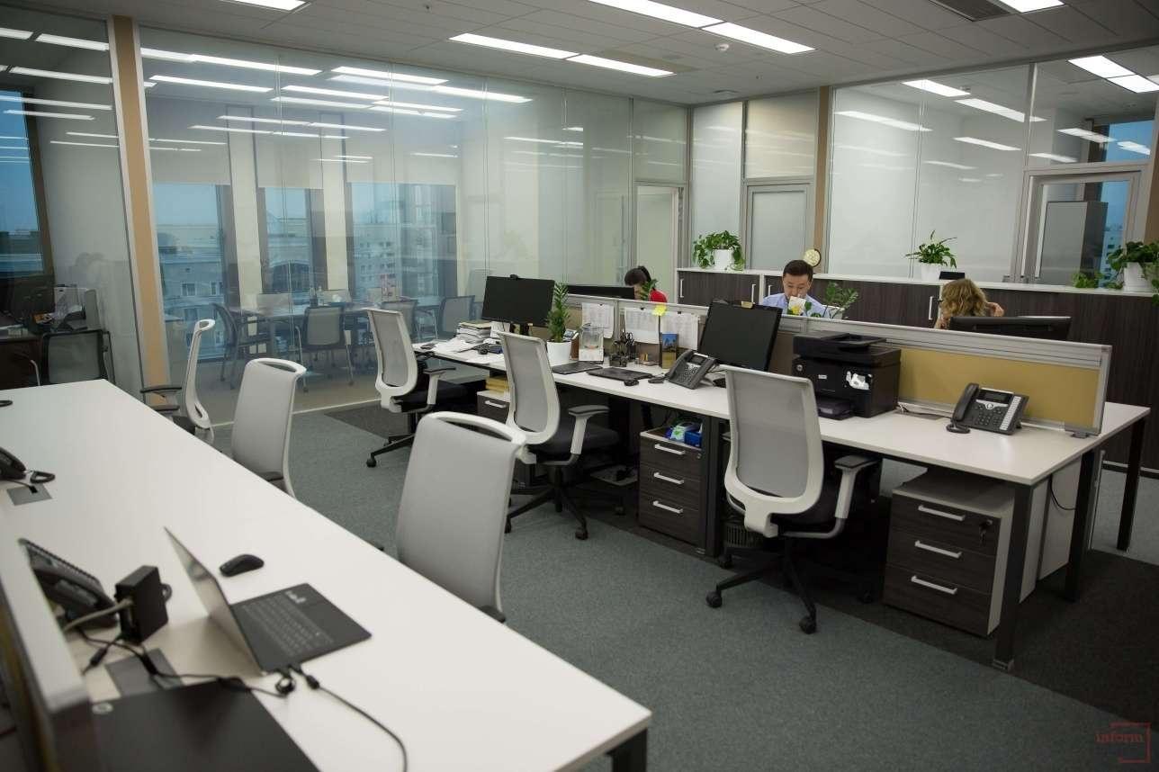 Сотрудники компании, которые работают в комплексе Talan Towers