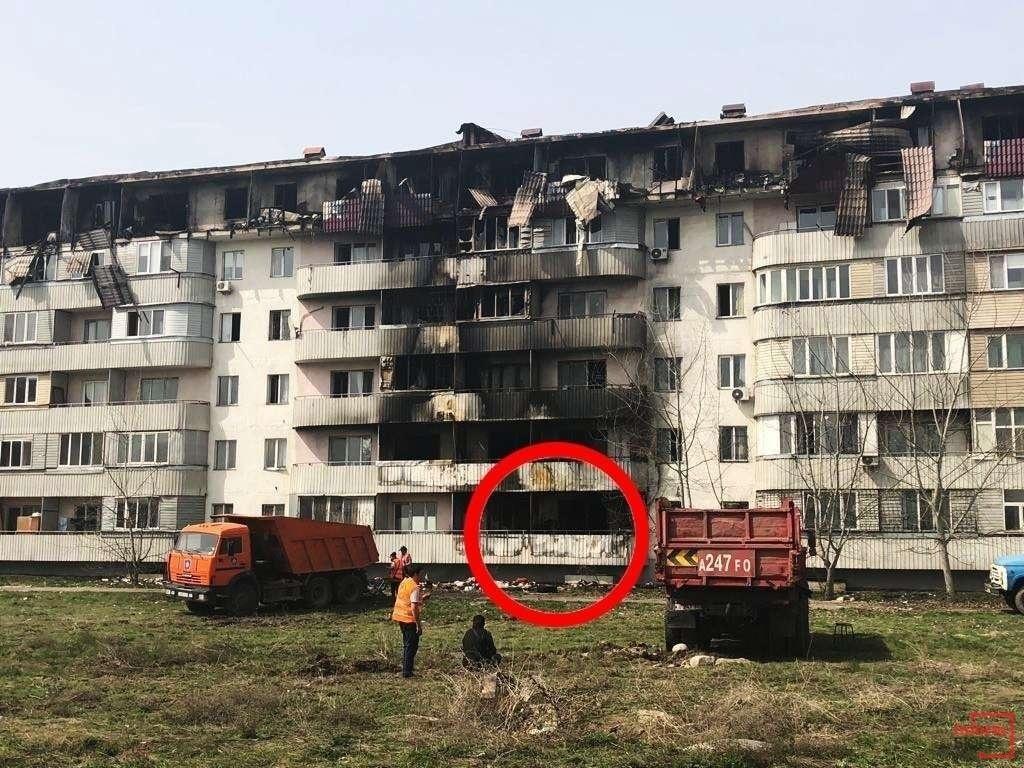 Балкон, где началось возгорание