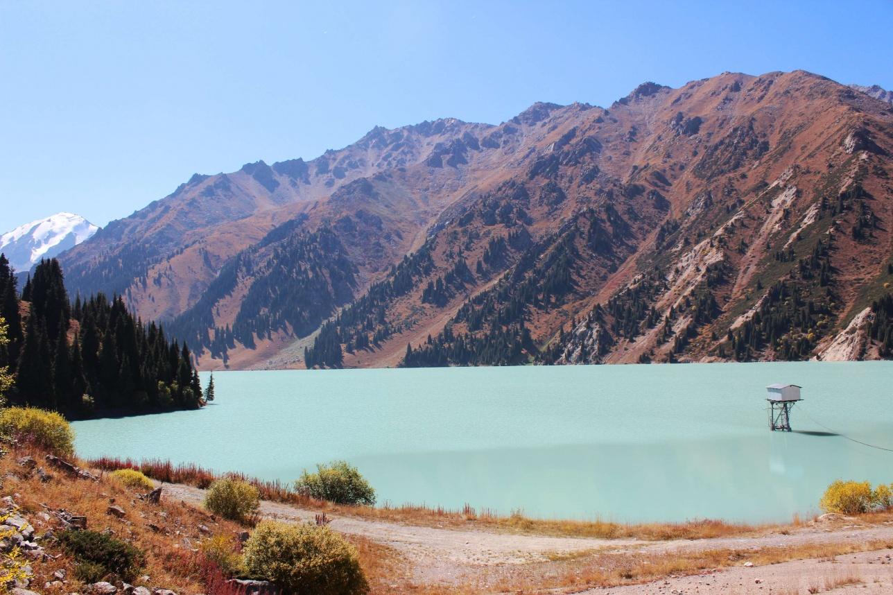 Воду планируют забирать и из Большого Алматинского озера
