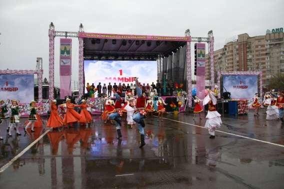 Народные гулянья в Усть-Каменогорске