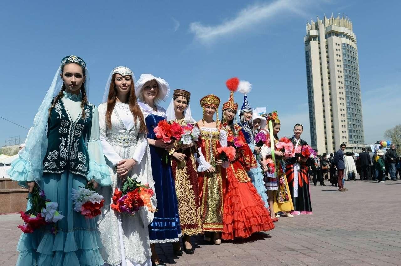 Празднование 1 мая в Алматы