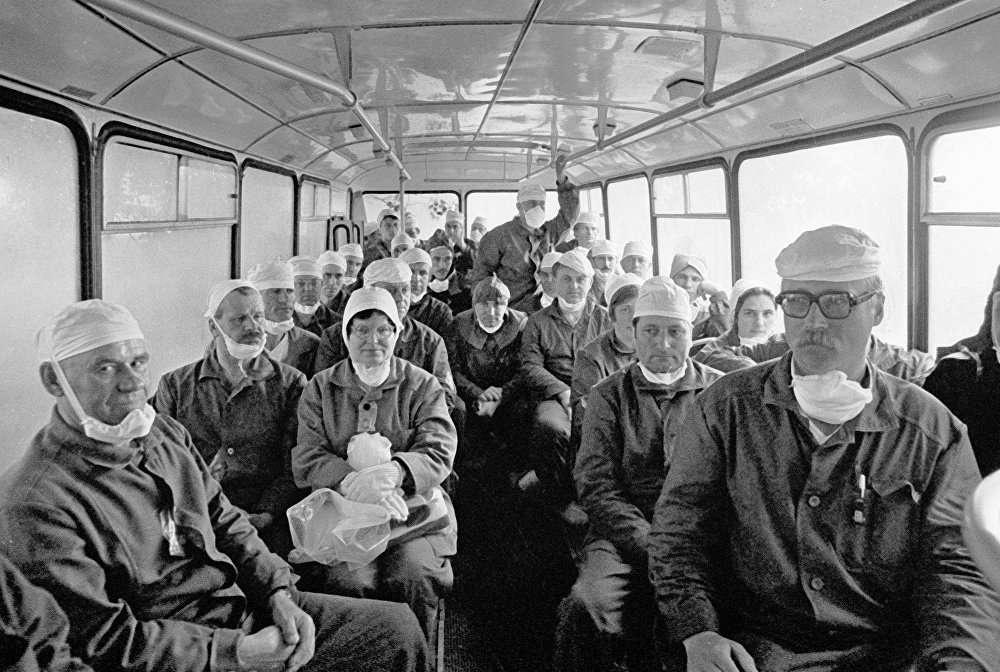 Чернобыль апат аймағына залалсыздандыруға кетіп бара жатқан мамандар