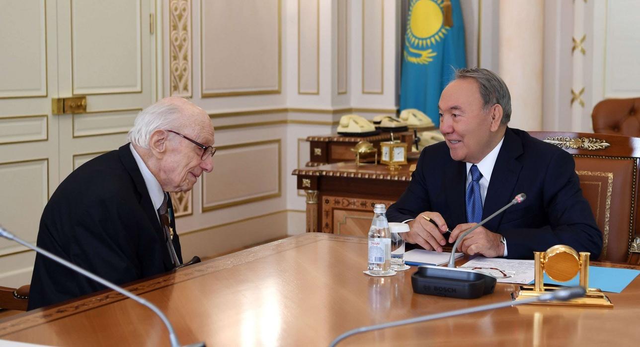 Нурсултан Назарбаев встретился с Юрием Померанцевым