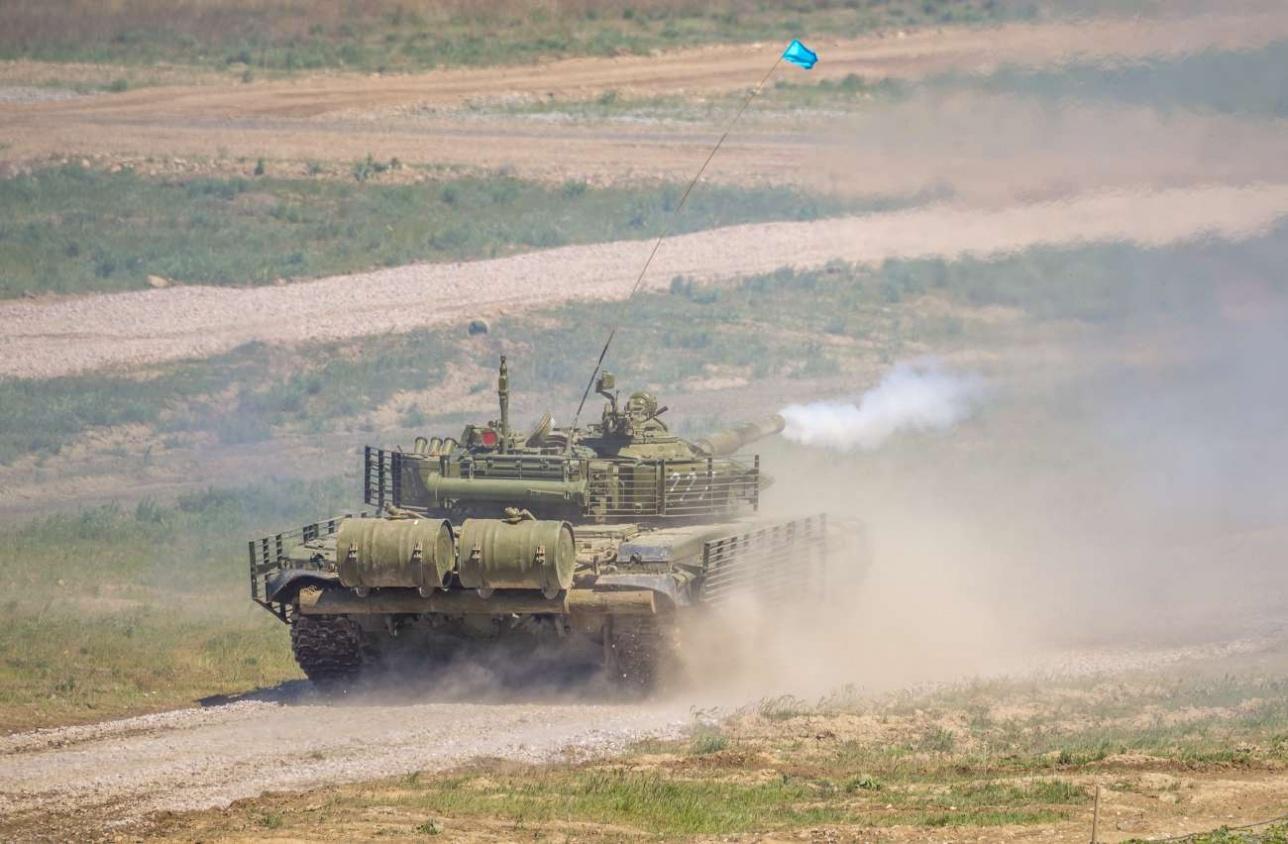 Выстрел из танка Т-72БА