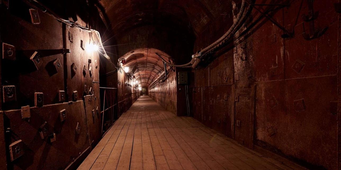 """Подземный музей """"Бункер-42"""""""