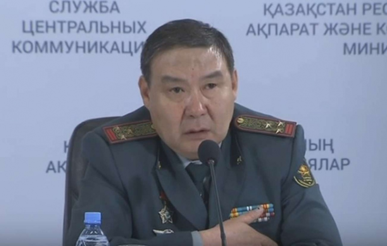 На этом фото в 2016 году Абишев ещё полковник