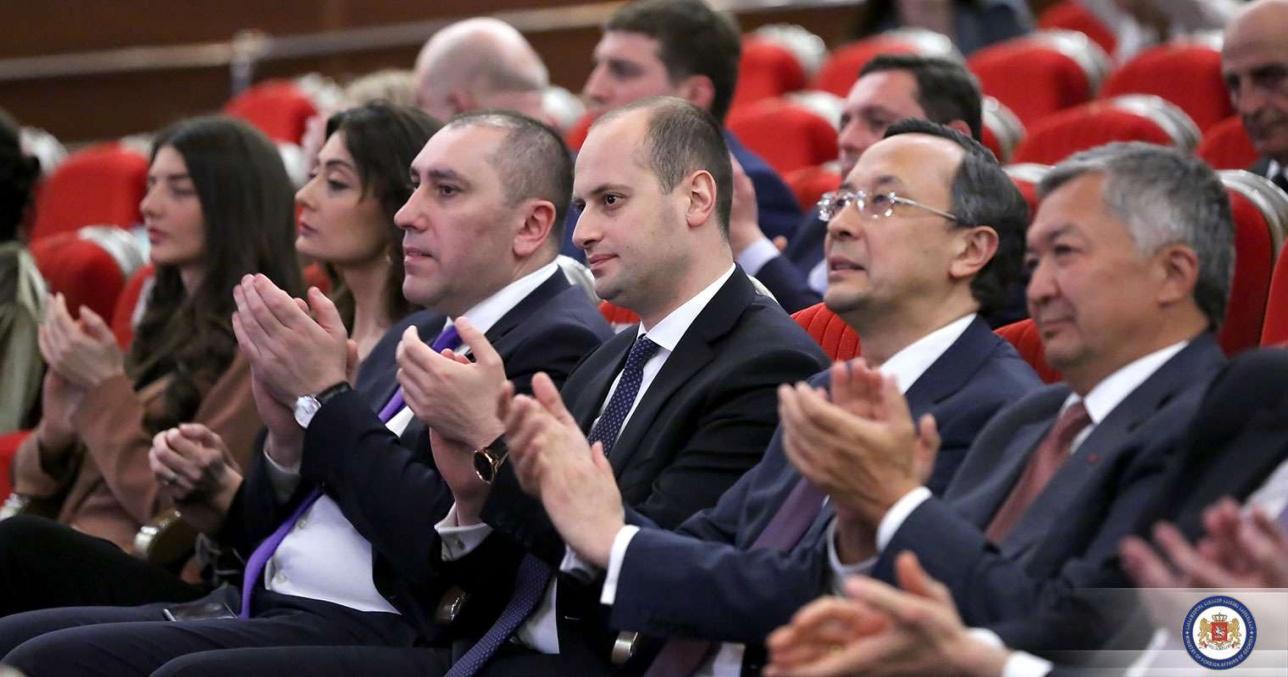 Премьер-министр Грузии на концерте Нино Катамадзе в Астане
