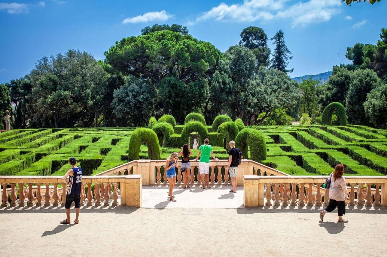 """Парк """"Лабиринт Орта"""" - исторический парк в районе Horta-Guinardó в Барселоне"""