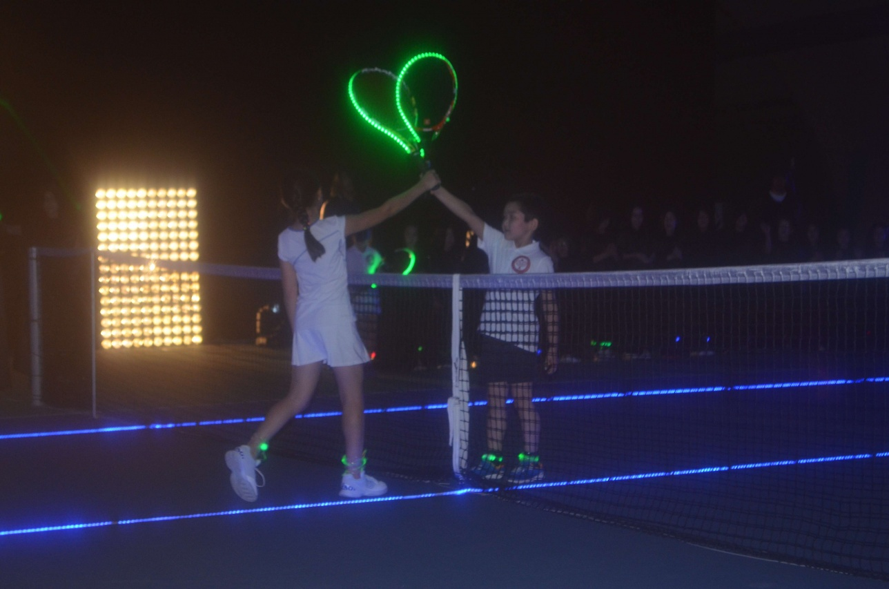 """Шоу-турнир по теннису """"Звёздные Воины"""""""