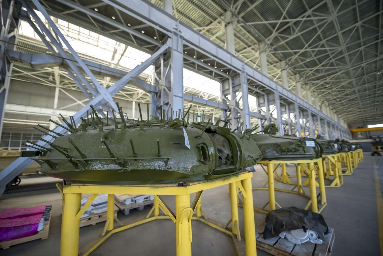 Литая башня Т-72 весит около 10-ти тонн