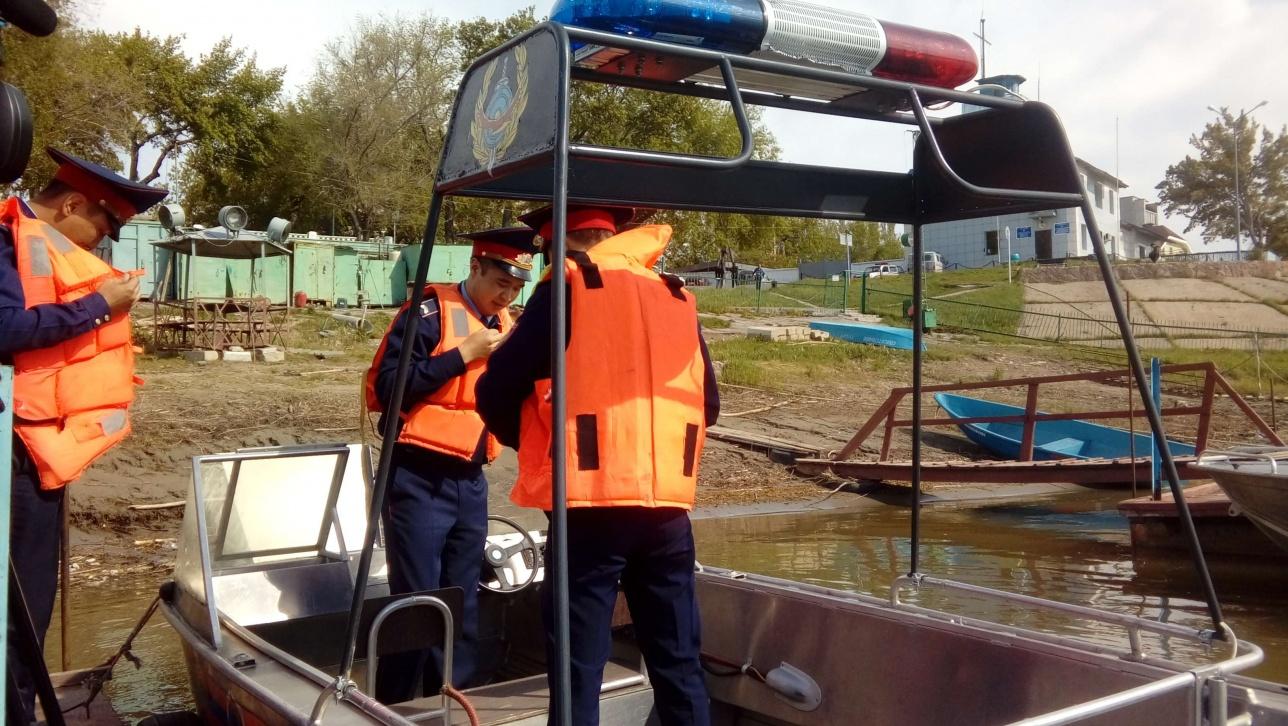 Водная полиция уже патрулирует городскую линию Иртыша