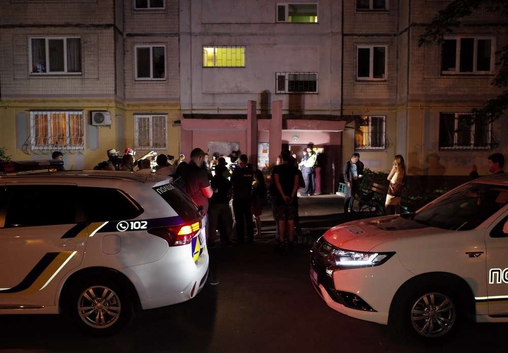 29 мая у подъезда дома, где живёт Аркадий Бабченко