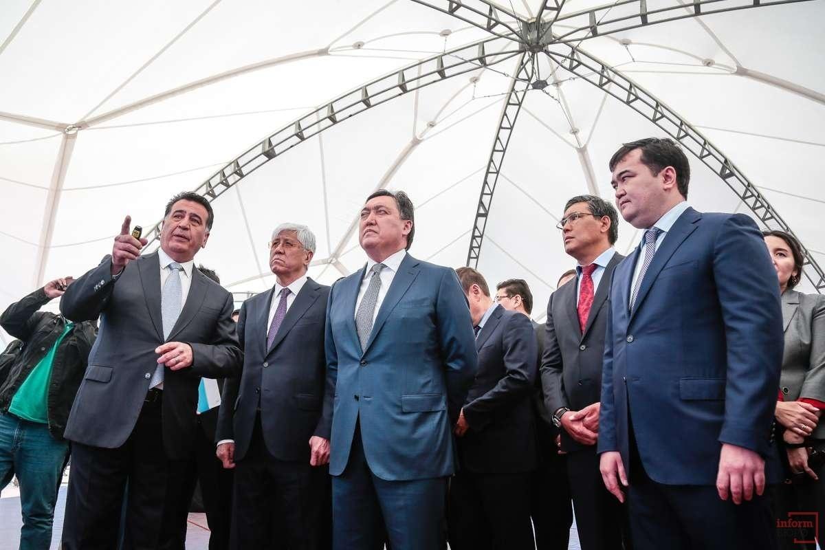 На открытие приехали чиновники из МИР РК и бизнесмены