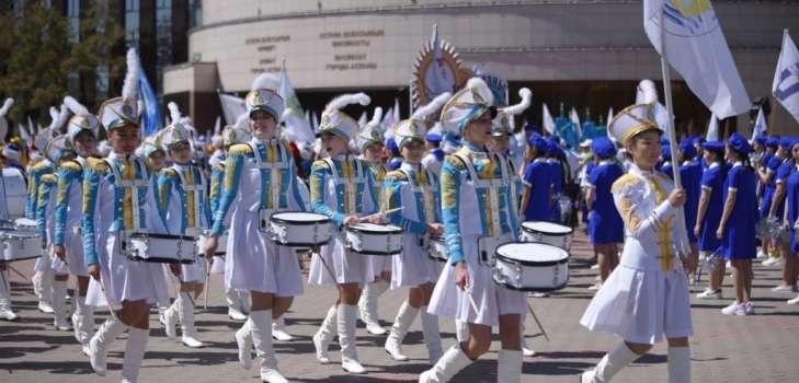 Праздничный парад в Астане