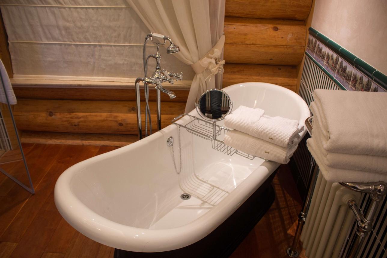 Одна из ванных комнат президентского номера