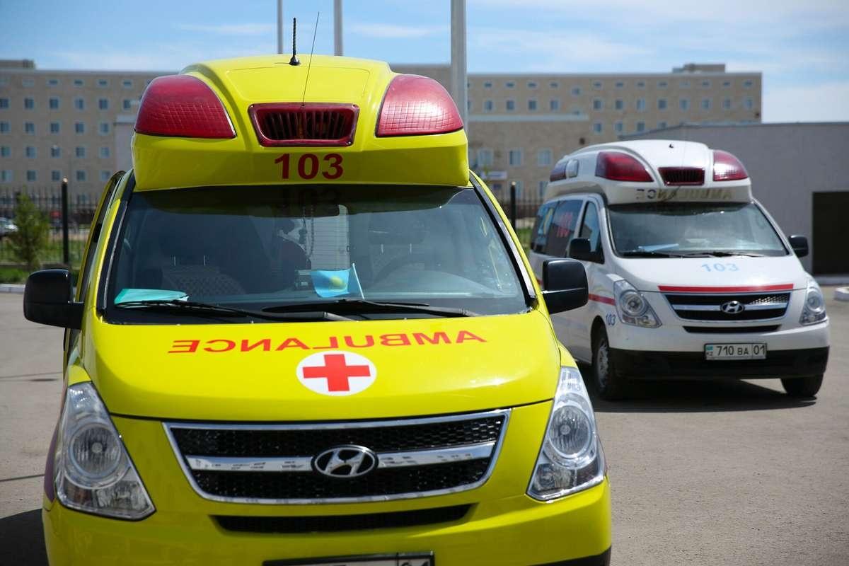 Машины нового стандарта покраски презентовали на станции скорой помощи в Астане