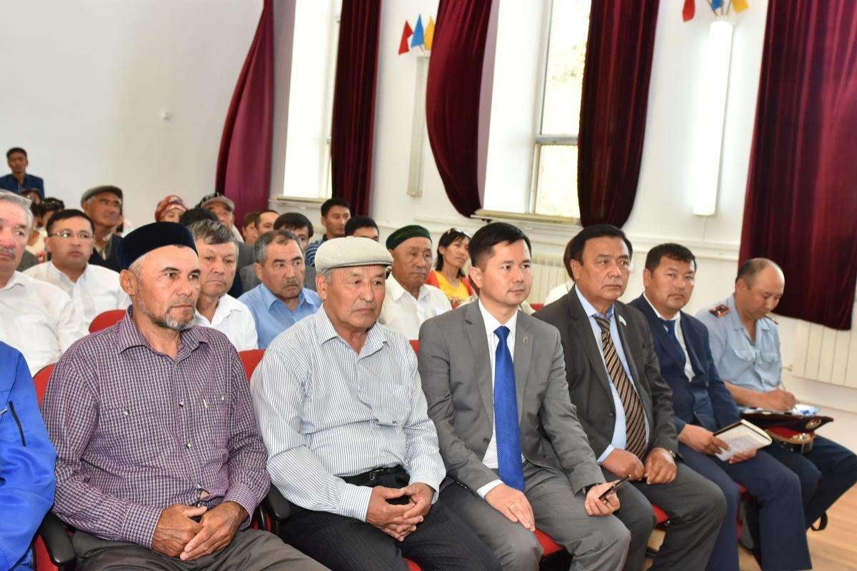 Министр по делам религий и гражданского общества встретился с населением сёл Шубарши и Кенкияк