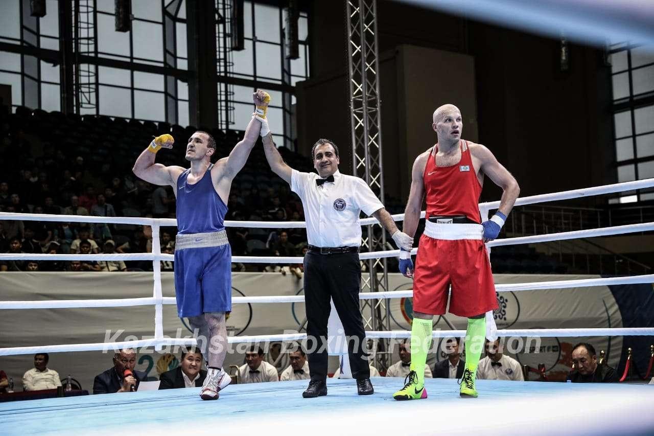 Два предыдущих боя Василий Левит выиграл нокаутам