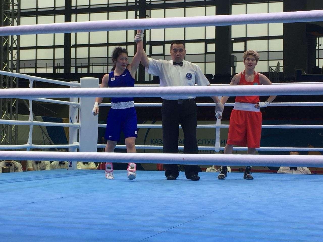 Казахстанка Назым Кызайбай японке Намики Цукими раздельным решением судей
