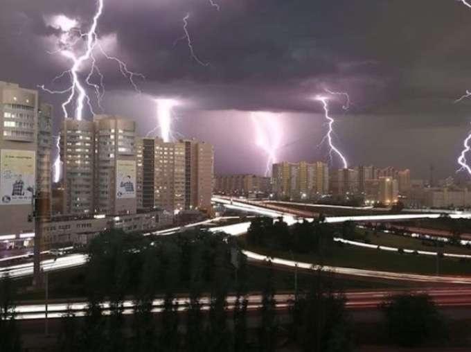 Фото урагана 23 июня в Барнауле