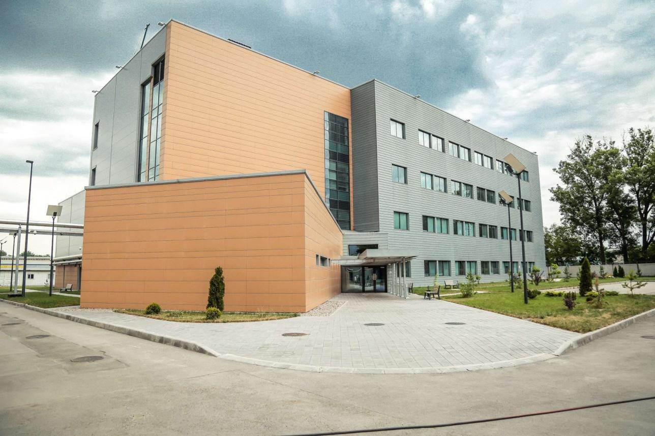 Здание ЦРЛ в Алматы