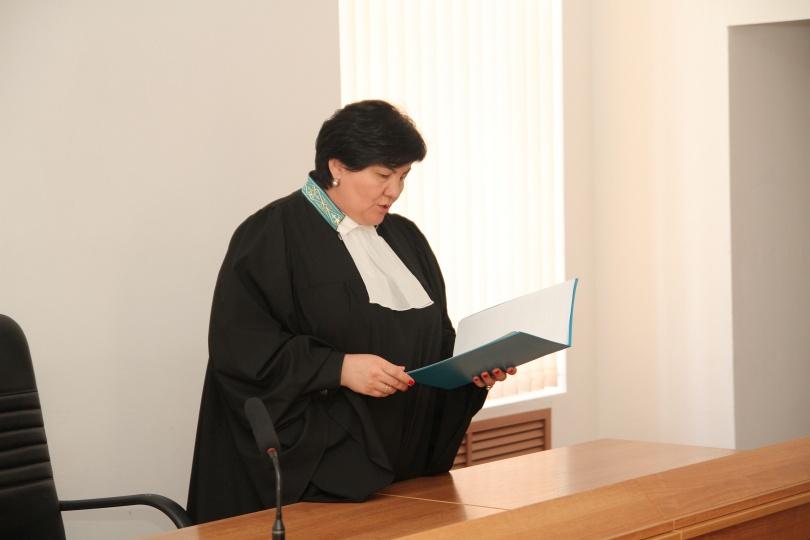 26 июня суд признал Умбеталиева виновным по статье 176-ой УК РК и приговорил к 7 годам лишения свободы в колонии общего режима с конфискацией имущества