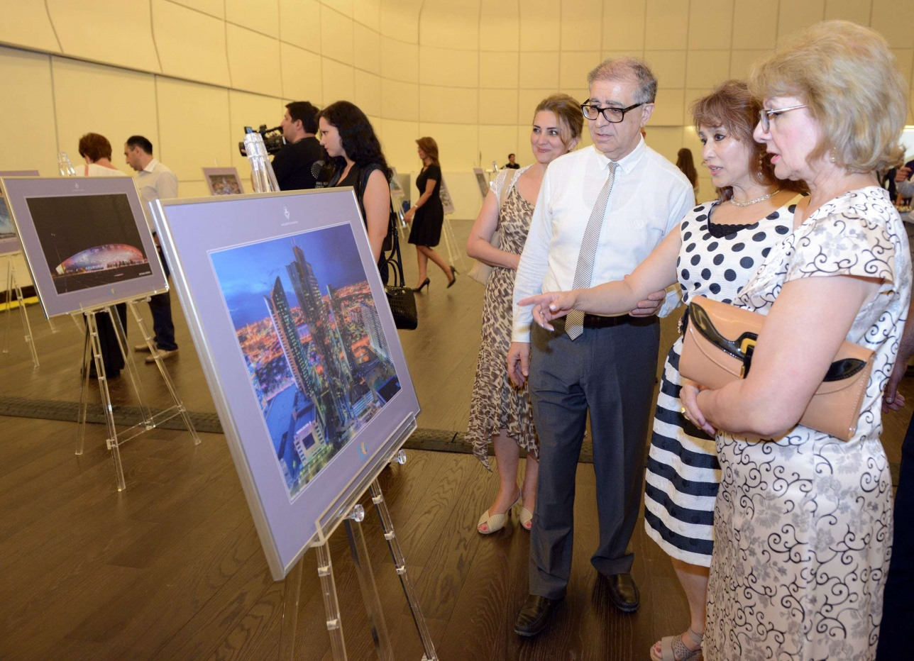 Фотовыставка в честь 20-летия Астаны открылась в Баку
