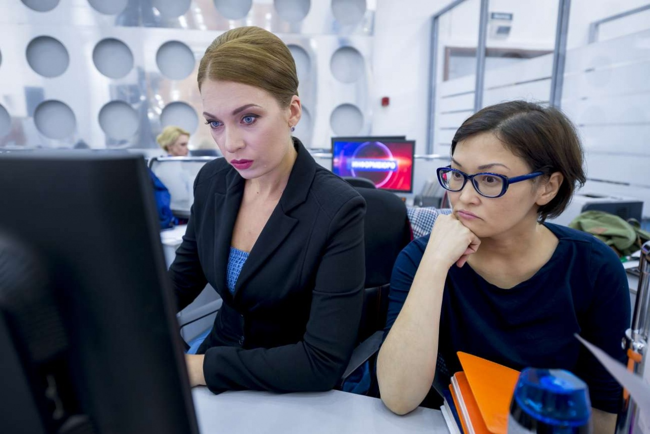 Ответственный выпускающий редактор Ирина Евгеньева и редактор региональной сети Асем Караулова