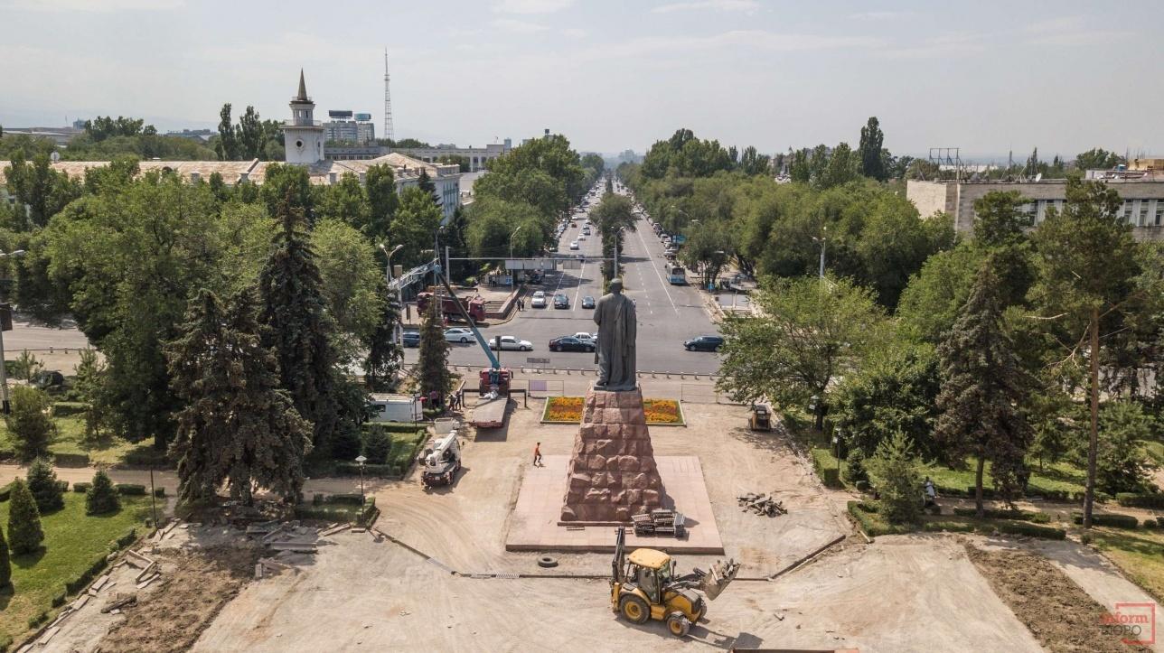 Дворец Республики, проспект Абая и улица Достык