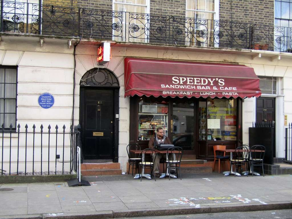 Кафе Speedy's на North Gower Street в Лондоне