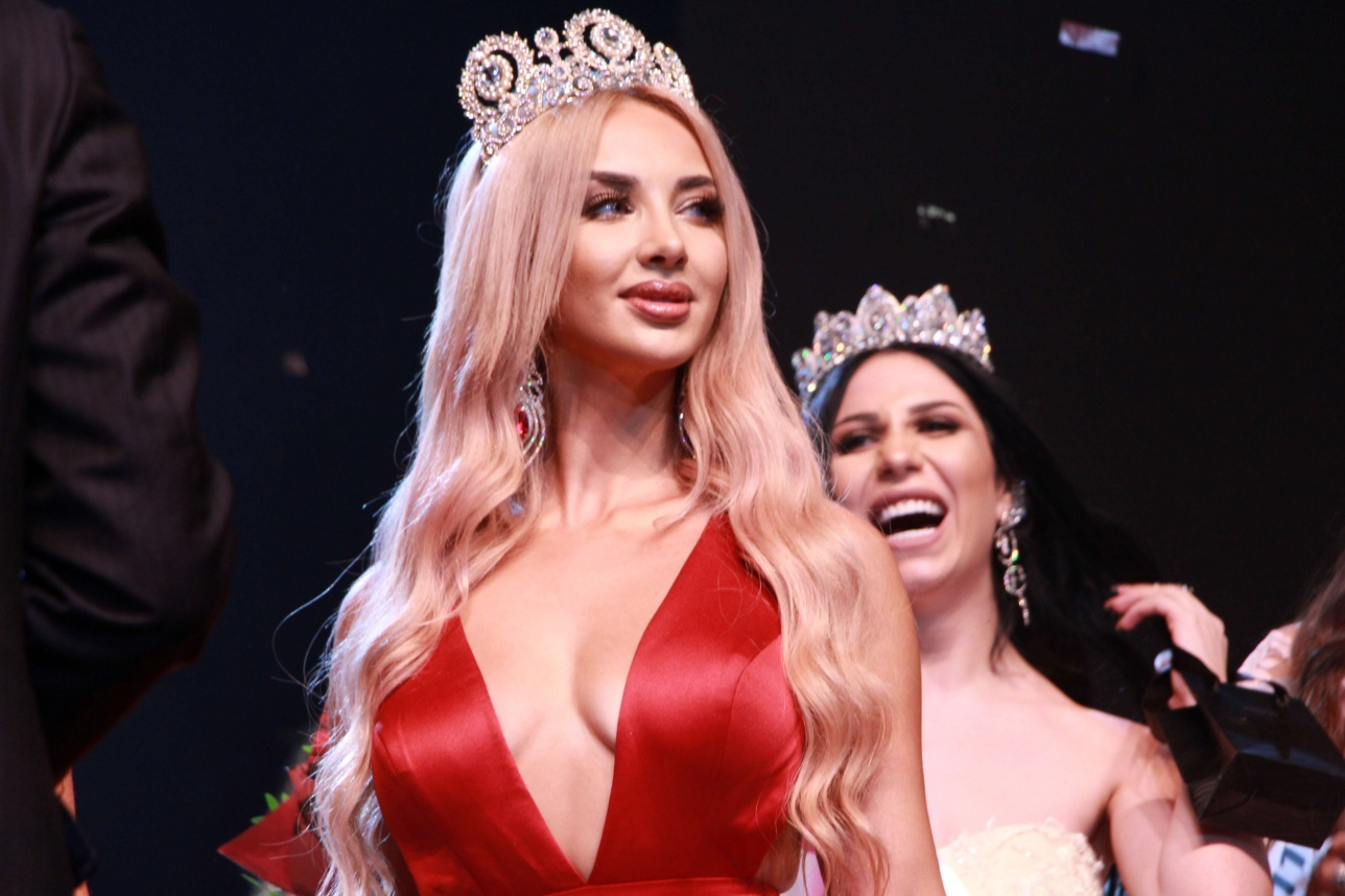 """""""Мисс СНГ-2017"""" прилетела в Казахстан для награждения новой победительницы"""