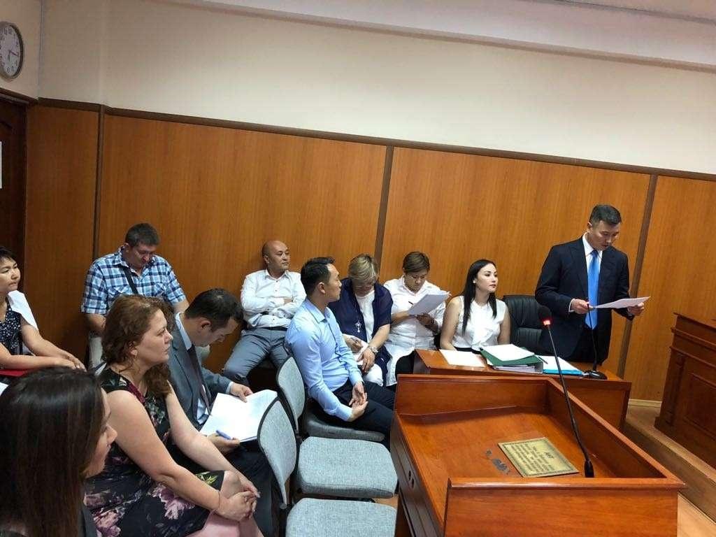 Жанну Уразбахову в горсуде представляли более 30 адвокатов