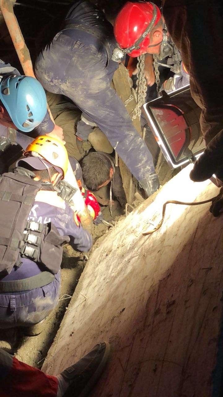 Третьего рабочего вытащили из-под завалов спустя 2,5 часа после обрушения