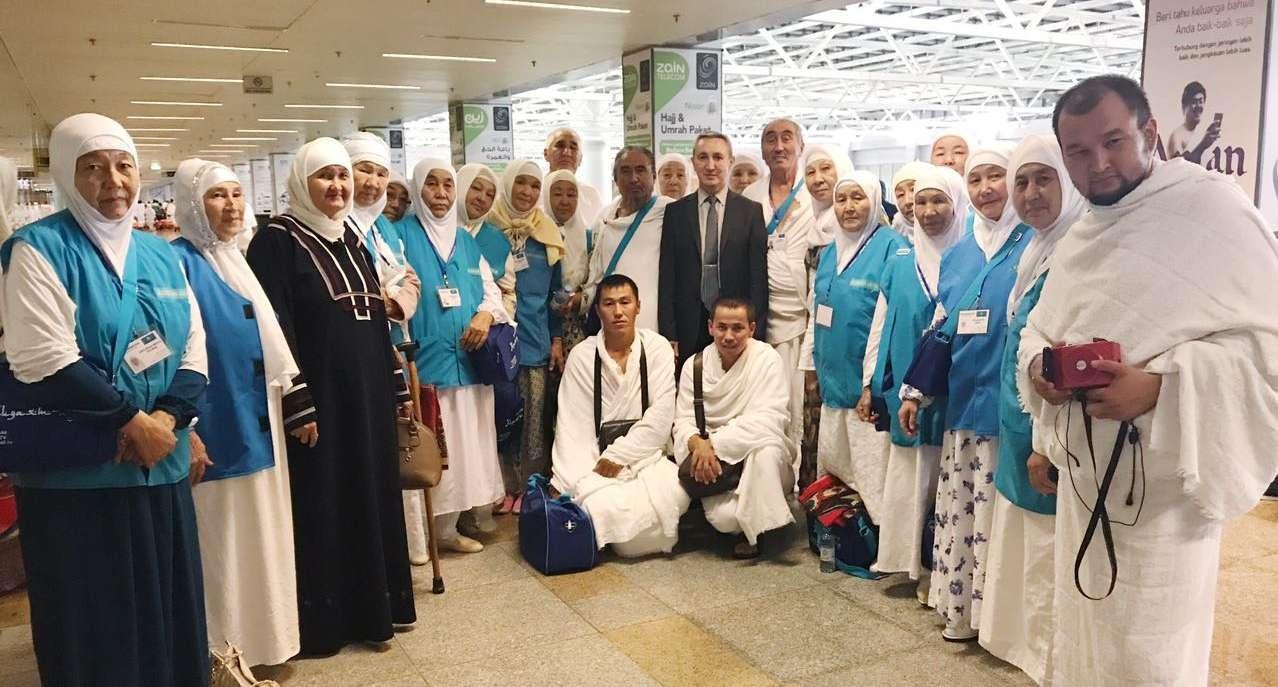 Первая группа казахстанских паломников прибыла в Саудовскую Аравию
