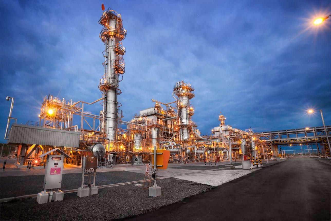 Газоперерабатывающий завод на нефтегазовом месторождении Карачаганак