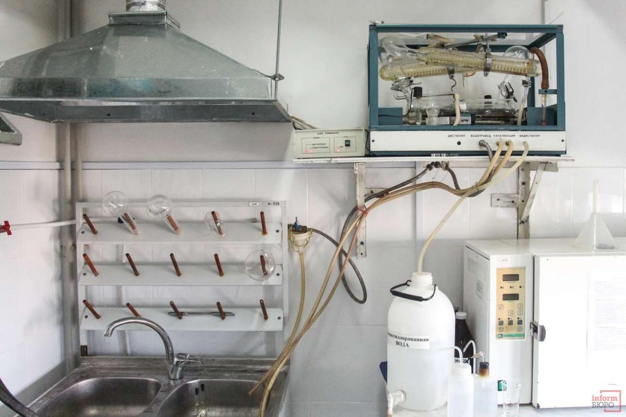 Чтобы получить нужный раствор, проводят сотни экспериментов
