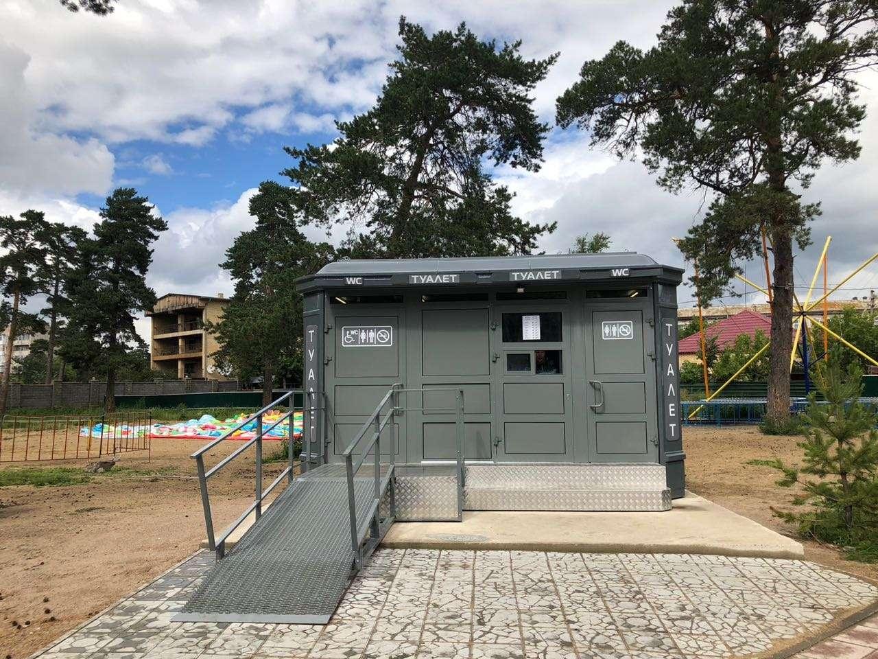 Современные и комфортные туалеты устанавливают на территории курортной зоны