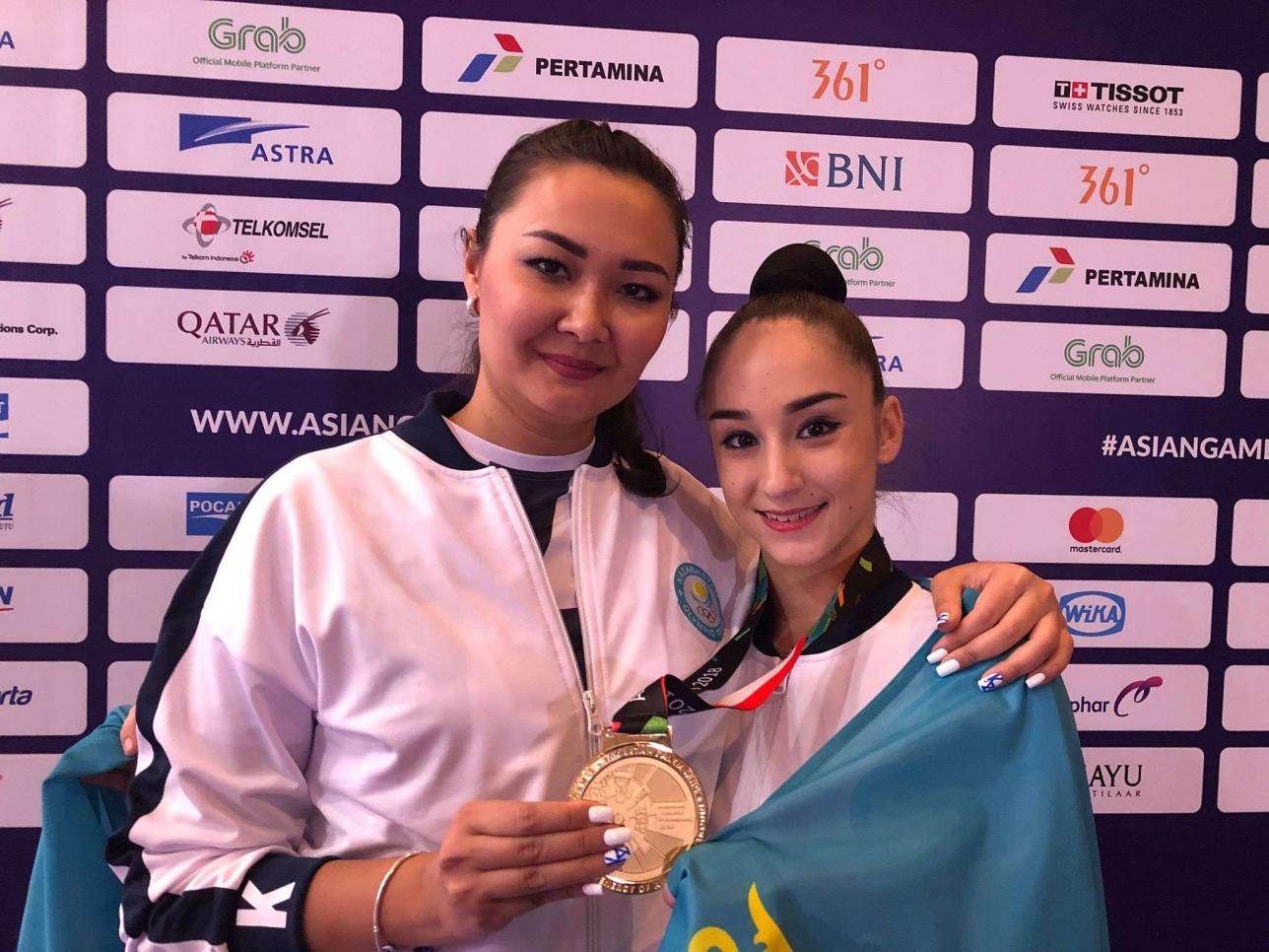 Тренирует героиню Азиады легенда художественной гимнастики Казахстана Алия Юсупова