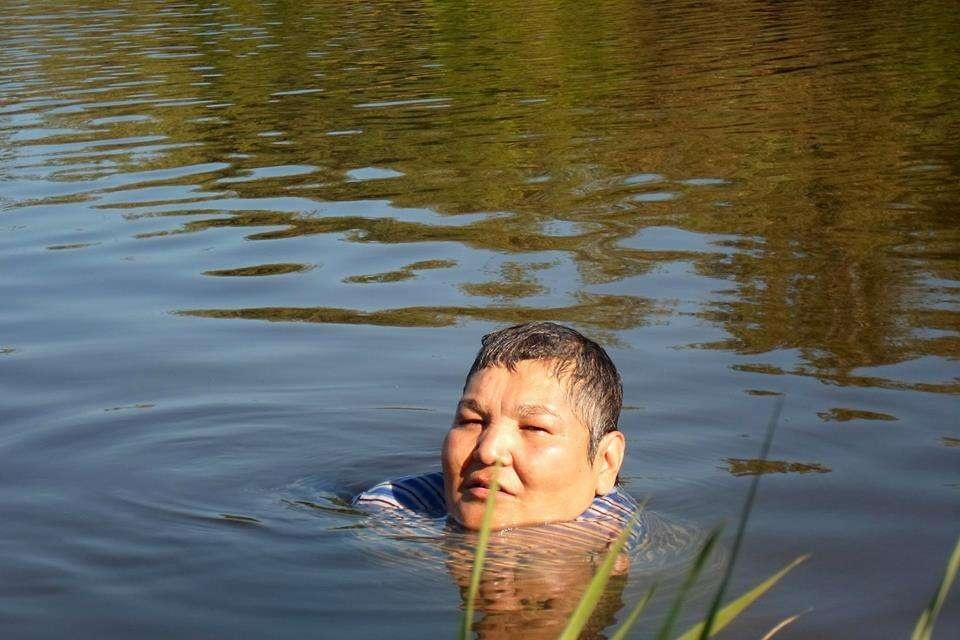 Кәріпбек өзен суына шомылғанды жақсы көреді