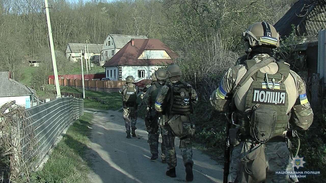 Отдельные подразделения Национальной полиции Украины больше похожи на армейский спецназ