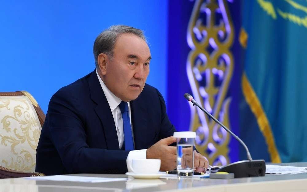 Нурсултан Назарбаев во время совещания по вопросам социально-экономического развития Карагандинской области