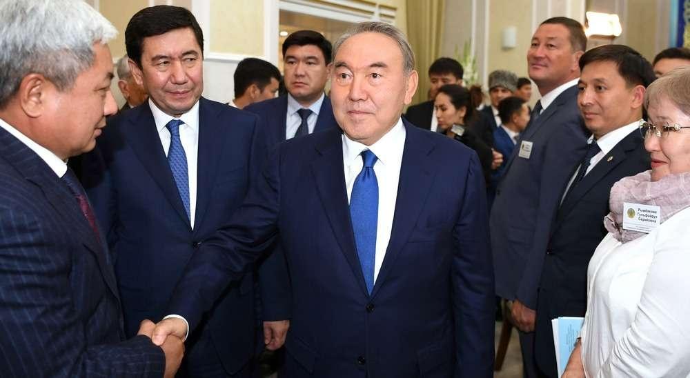 Назарбаев встретился с представителями общественности в Караганде