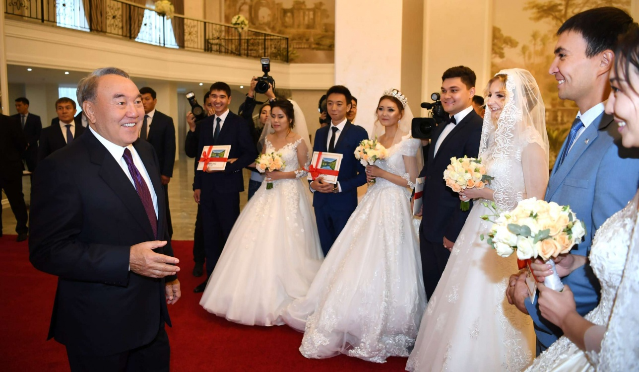 "Нурсултан Назарбаев посетил дворец торжеств ""Ақ сарай"""