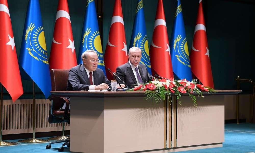Лидеры Казахстана и Турции на брифинге в Анкаре