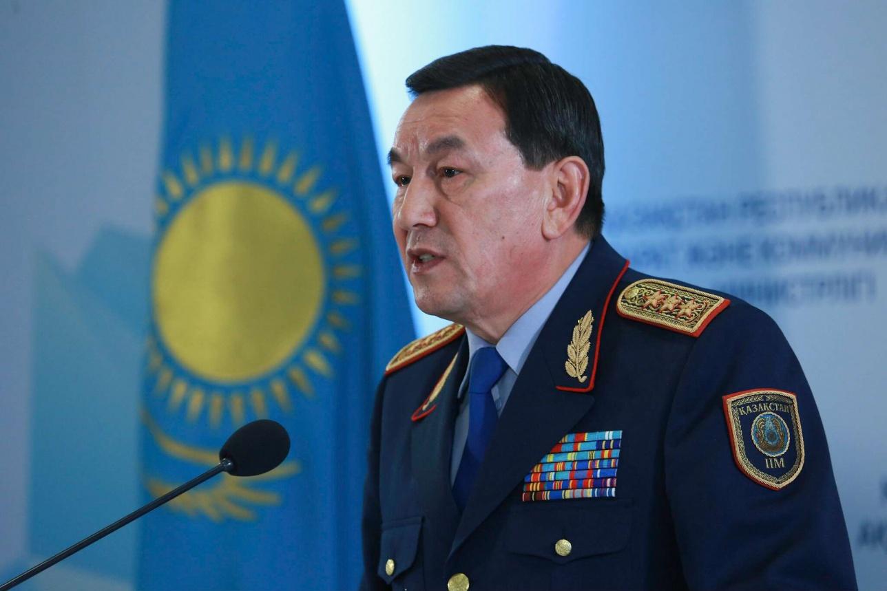 Калмуханбет Касымов снова вынужден отвечать на вопрос об отставке