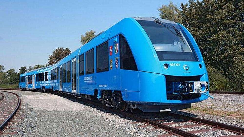 Поезд на водородном топливе в Германии