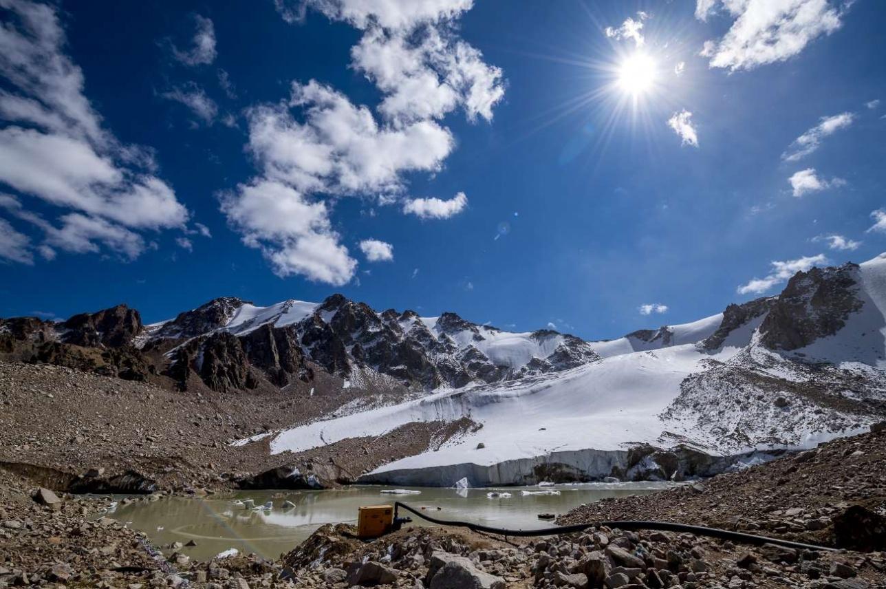 Моренное озеро №13/бис в верховьях Большой Алматинки